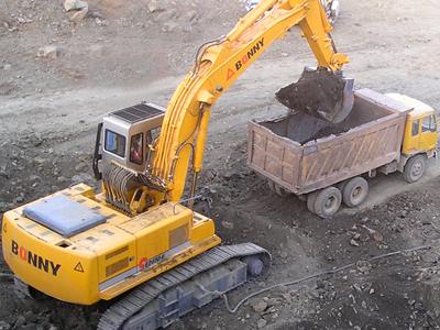 邦立ced1000-7反铲电动液压挖掘机和神钢sk480挖掘机哪个好图片